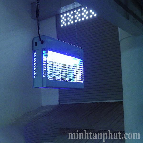 đèn diệt côn trùng delta giá rẻ hcm
