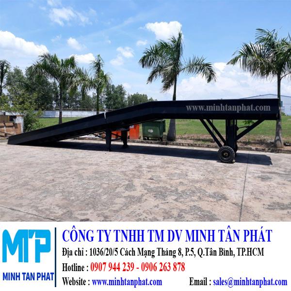 Cầu lên container cho xe nâng hàng ở Đồng Nai