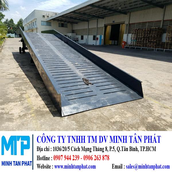 Minh Tân Phát chuyên cung cấp cầu dẫn xe nâng hàng lên container