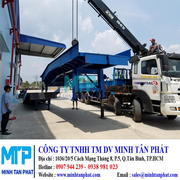 Cung cấp cầu lên container cho nhà máy NAKAUMI, Long Thành, Đồng Nai.
