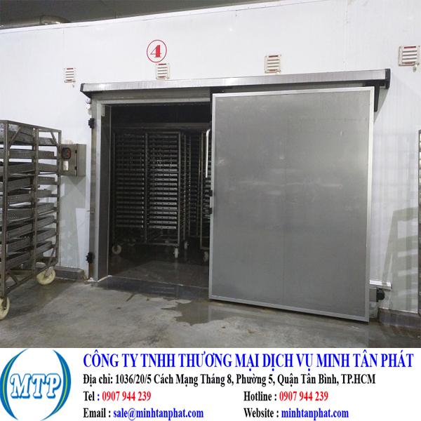 Cung cấp cửa trượt kho lạnh cho nhà máy