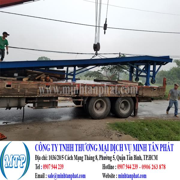 Cung cấp cầu lên container, cầu dẫn xe nâng cho nhà máy ở Long An