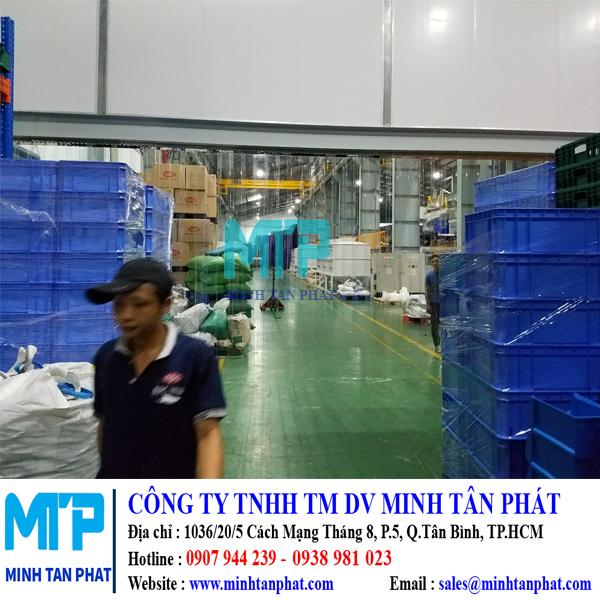 Cửa rèm nhựa pvc trắng trong ngăn bụi, giữ nhiệt cho khu vực sản xuất