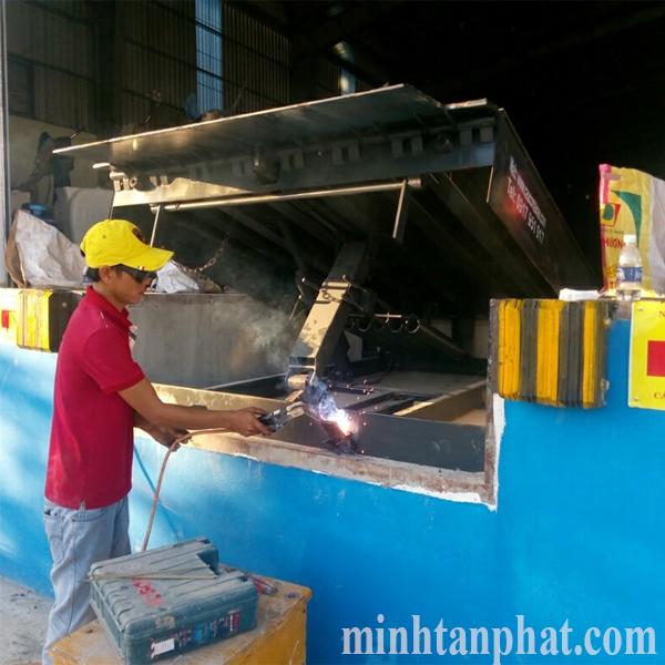 sửa chữa bảo trì sàn nâng cơ khí -  mechanical dock leverler