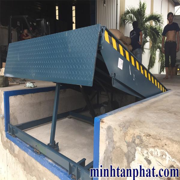 sàn nâng thủy lực - Hydraulic dockleveler